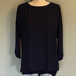 ANTHROPOLOGY /W5 lightweight navy blouse.